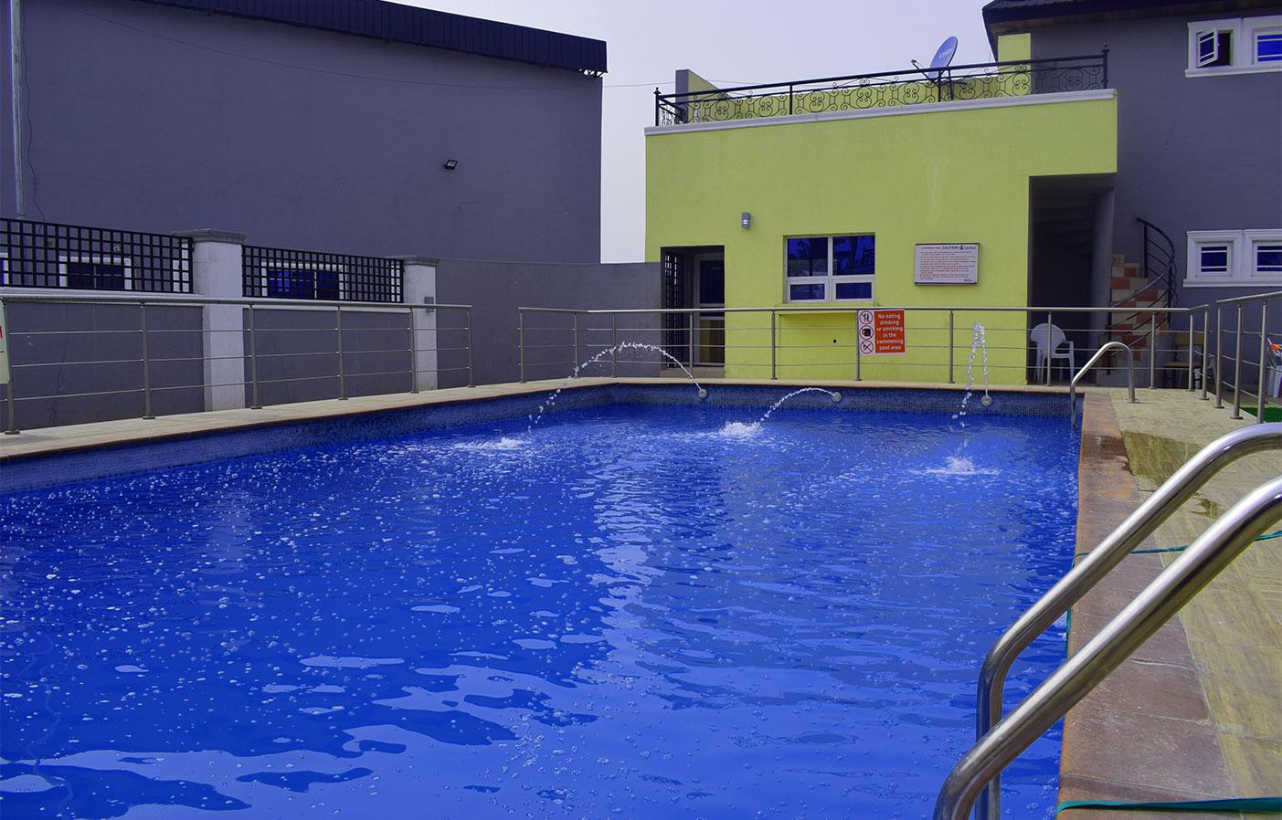 swimming-pool-ilaji-hotel-and-resort